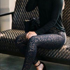 Zyia Black rose gold flake leggings (8-10)